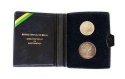 1972 - Estojo com 2 Moedas Comemorativas Sesquicentenário da Independência - 1 Cruzeiro (Níquel) e 20 Cruzeiros (Prata)